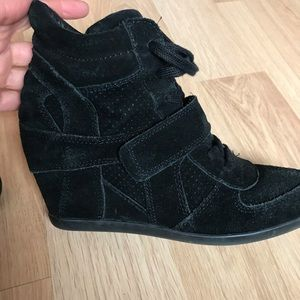 0686e3ccb2a5 Ash Bowie Limited Black Suede Wedge Sneaker